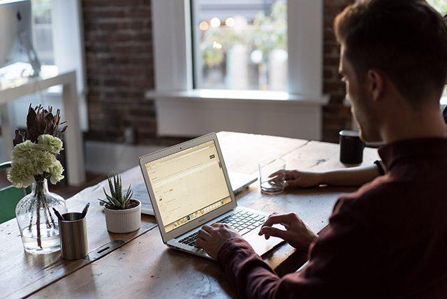 15 modelos para escrever e-mails incríveis de atendimento ao cliente